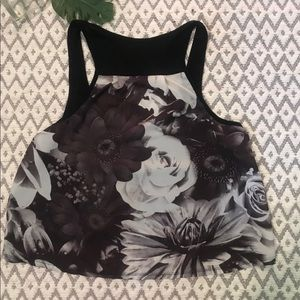 AEO Boho chic floral black and white crop top🌸🌼